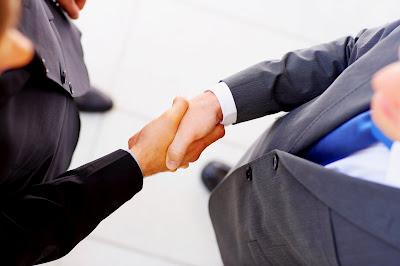 oro-plata-dinero-educacion-vender-negociar-negociacion